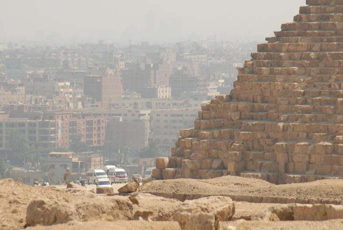ギザのピラミッド群(エジプト)