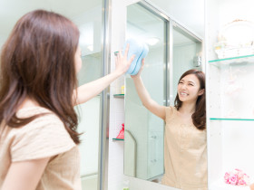 洗面所を掃除