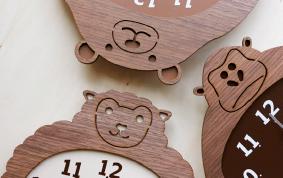 動物モチーフ壁掛け時計
